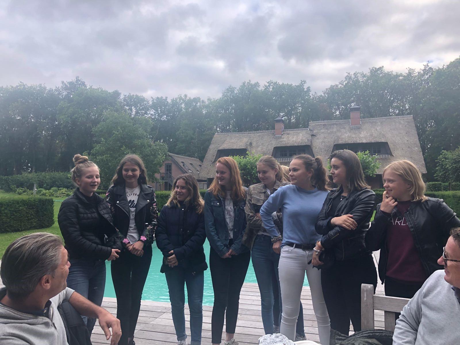BBQ'en voor de Sytske Foundation! Opbrengst € 200! Dank lieve meiden!